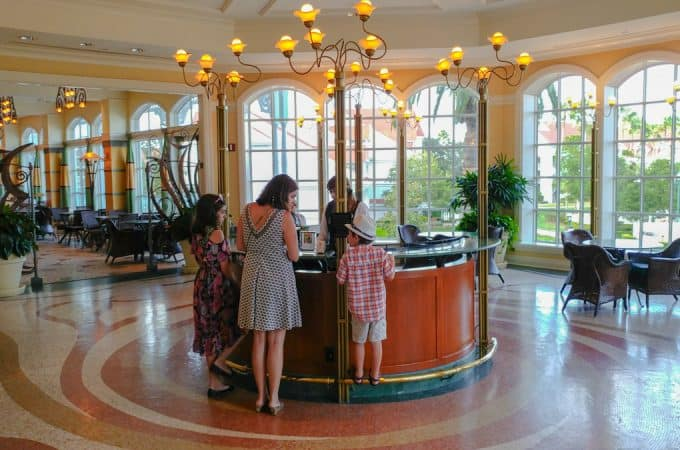 How to Make Disney Dining Reservations