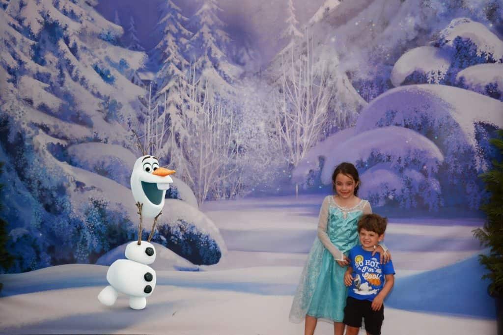 Frozen Summer Fun Live! PhotoPass Magic Shot with Olaf