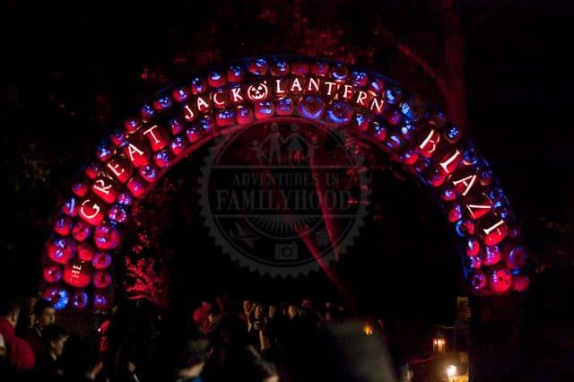 Great Jack O'Lantern Blaze Pumpkin Archway