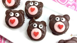 Valentine's Day Teddy Bear Oreos