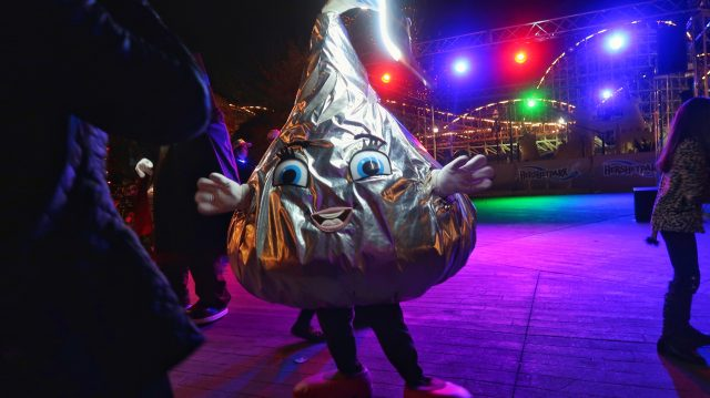 Hershey's Kiss character poses during dance party at Hersheypark in the Dark