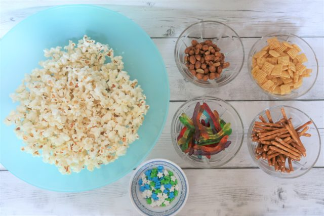 Toy Story 4 Woody's Road Trip Snack Mix ingredients