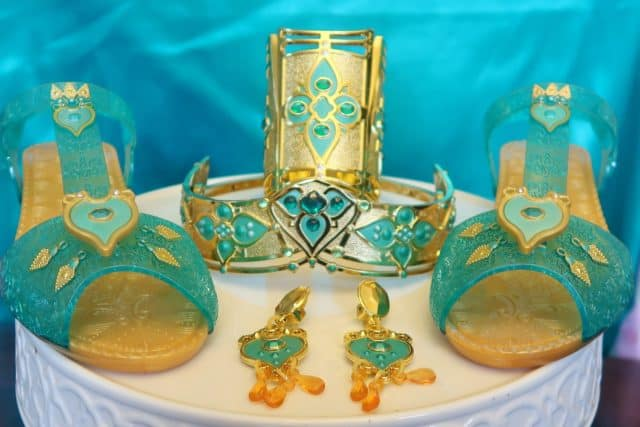 Jasmine's Royal accessory set comes with shoes, earrings, wrist cuff, and headpiece