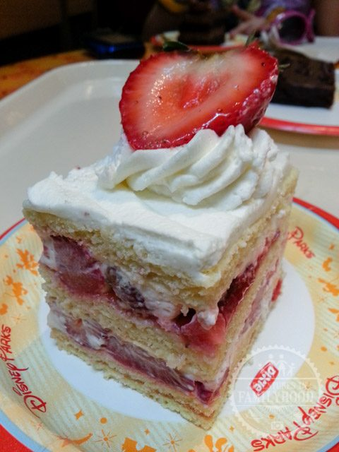strawberry shortcake from sunshine seasons in the land pavilion at Epcot