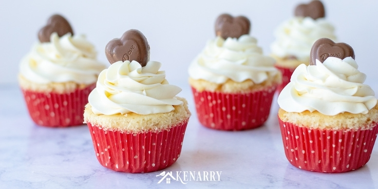 Hidden Hearts Valentine's Day Cupcakes: Dessert Idea | Ideas for the Home